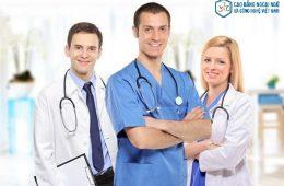 Nên học trung cấp điều dưỡng hay cao đẳng điều dưỡng