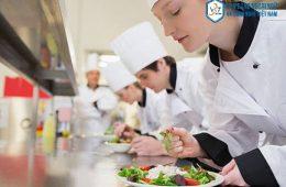 Học đầu bếp có khó không ? Và nên học cao đẳng hay hệ trung cấp?