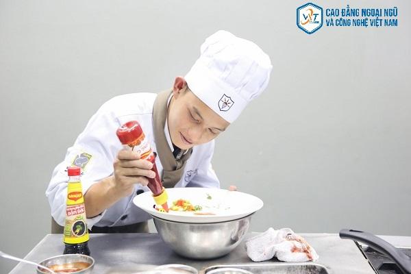 ngành kỹ thuật chế biến món ăn