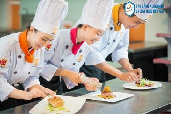 dạy nghề nấu ăn