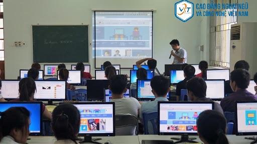 khoa công nghệ thông tin và truyền thông
