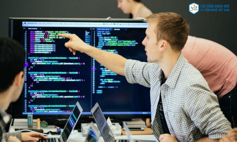 kỹ sư công nghệ thông tin