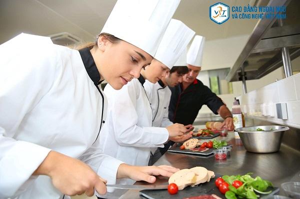 ngành đầu bếp thi khối nào