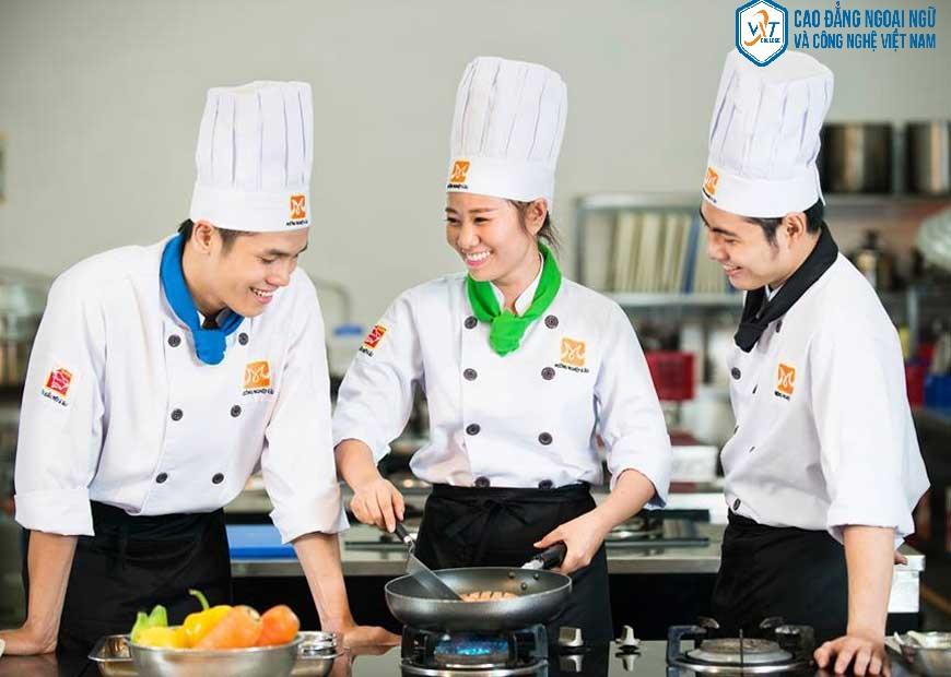 trường dạy nấu ăn ẩm thực 24h