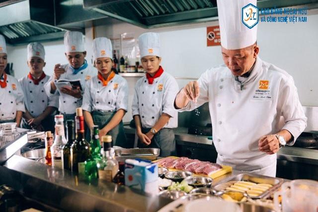 các trường dạy nấu ăn